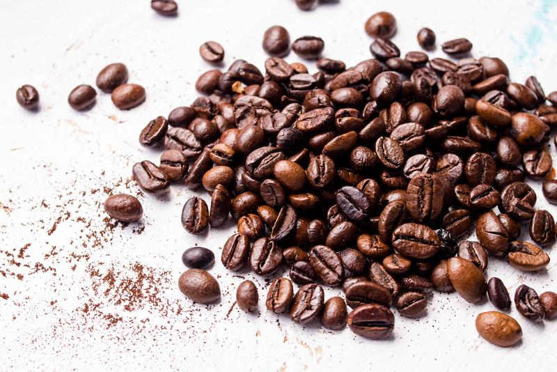 Καβουρδισμένοι κόκκοι καφέ.