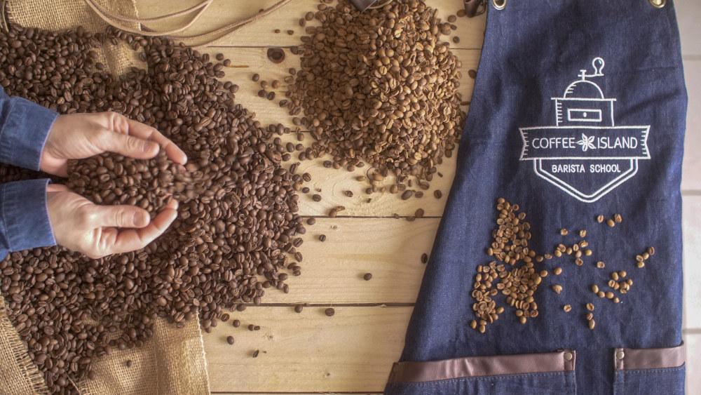 Περισσότεροι από 200.000 πελάτες περνούν την πόρτα ενός Coffee Island κάθημερινά