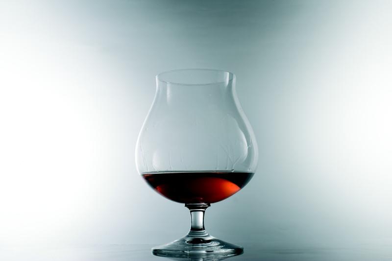 Ποτήρι με κονιάκ.