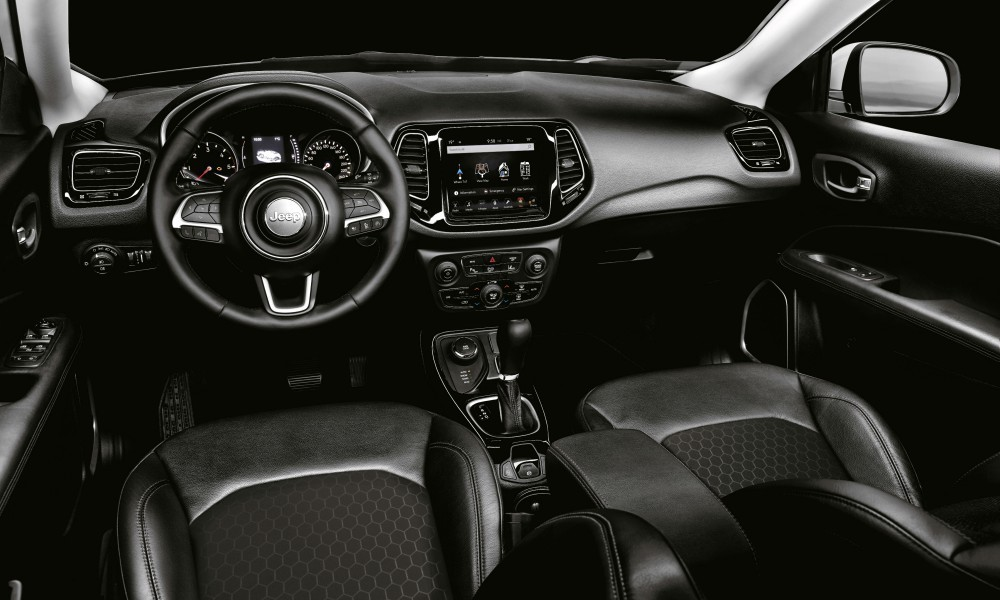 Jeep Compass με όφελος 15.000 ευρώ