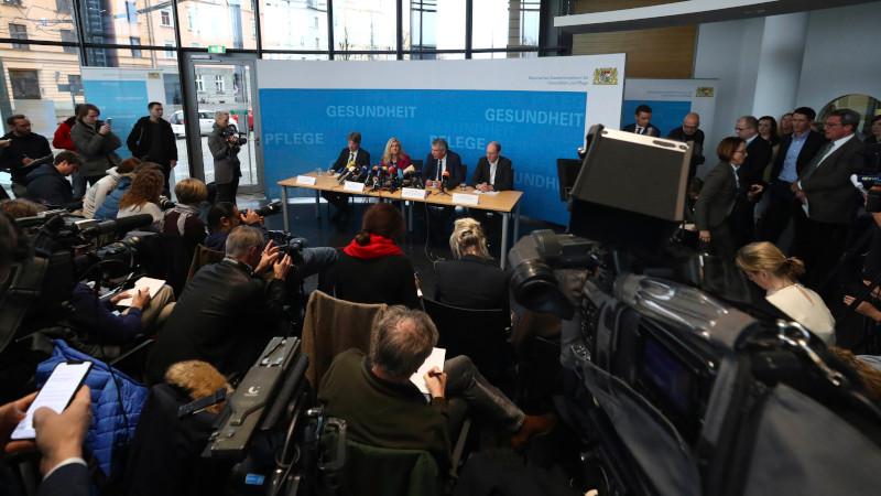 Στιγμιότυπο από την συνέντευξη Τύπου στην Γερμανία για τον κοροναϊό