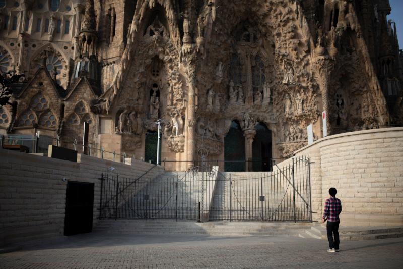 Άδειο από τουρίστες ακόμη και το διάσημο αξιοθέατο της Βαρκελώνης, η Sagrada Famiglia