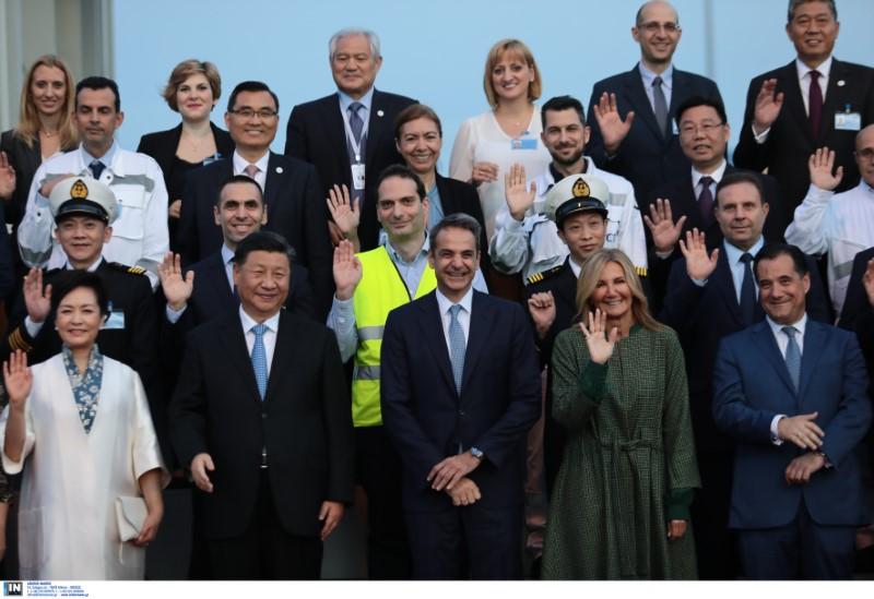 Το προεδρικό ζεύγος της Κίνας, ο Κυριάκος και η Μαρέβα Μητσοτάκη χαμογελαστοί