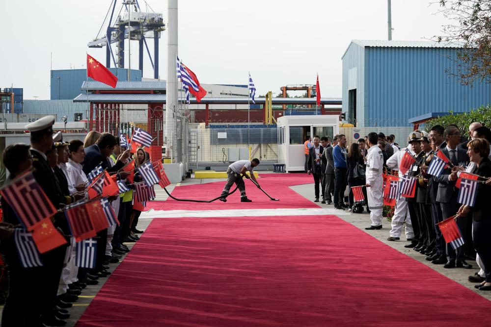 Στις εγκαταστάσεις της COSCO ο πρόεδρος της Κίνας και ο Κυριάκος Μητσοτάκης