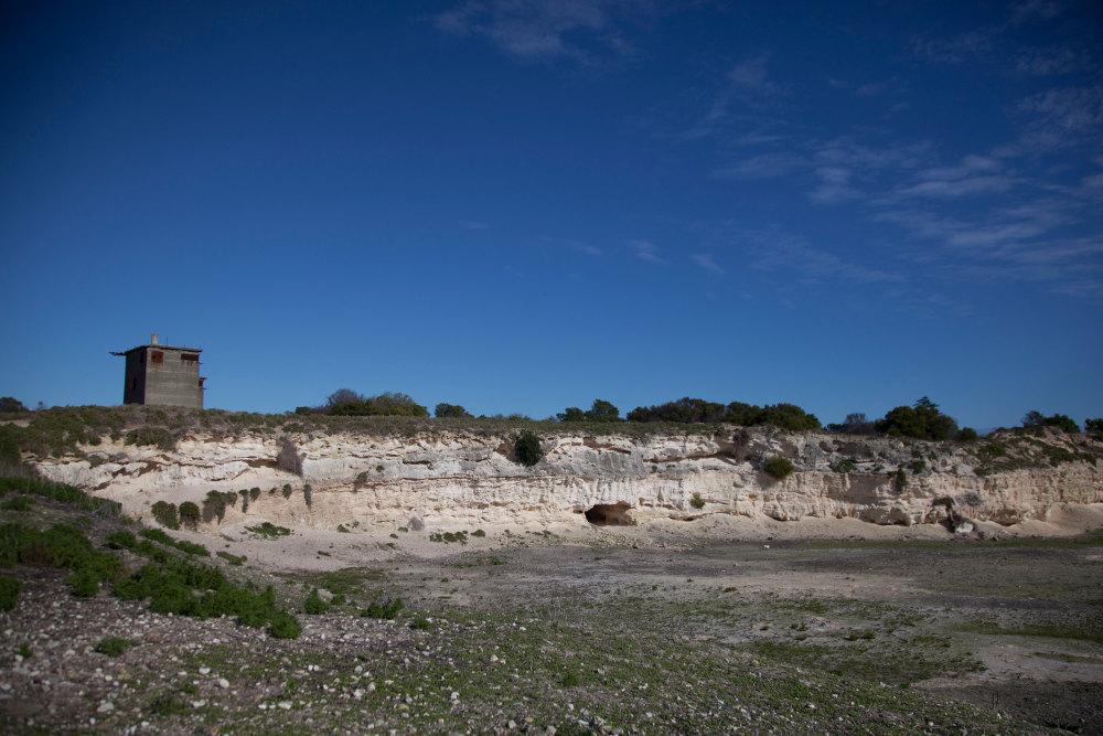 Εικόνα από το νταμάρι όπου ήταν καταδικασμένος σε καταναγκαστικά έργα ο Νέλσον Μαντέλα στο νησί Ρόμπεν