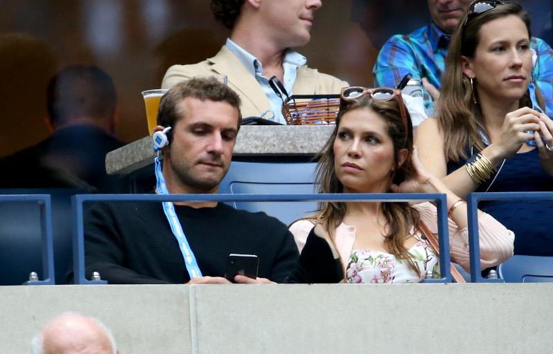 Σταύρος Νιάρχος και Ντάσα Ζούκοβα παρακολουθούν αγώνα τένις στο US OPen το 2018