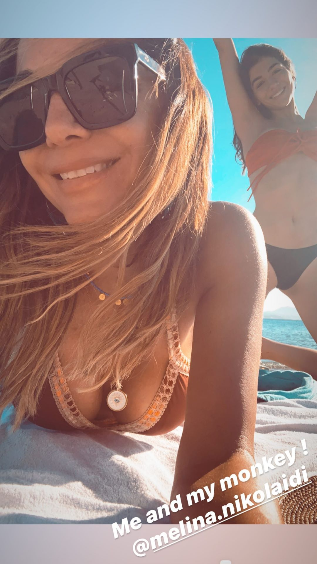 Δέσποινα Βανδή, Μελίνα Νικολαϊδη στην παραλία καλοκαίρι 2020