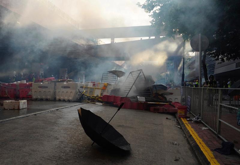 Ενταση με δακρυγόνα στο Χονγκ Κονγκ / Φωτογραφία: AP