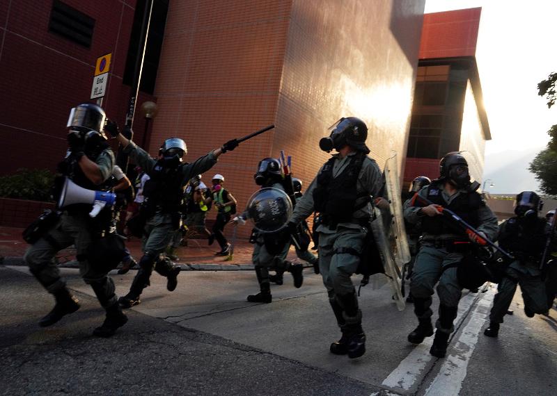 Επί ποδός η αστυνομία στο Χονγκ Κονγκ / Φωτογραφία: AP