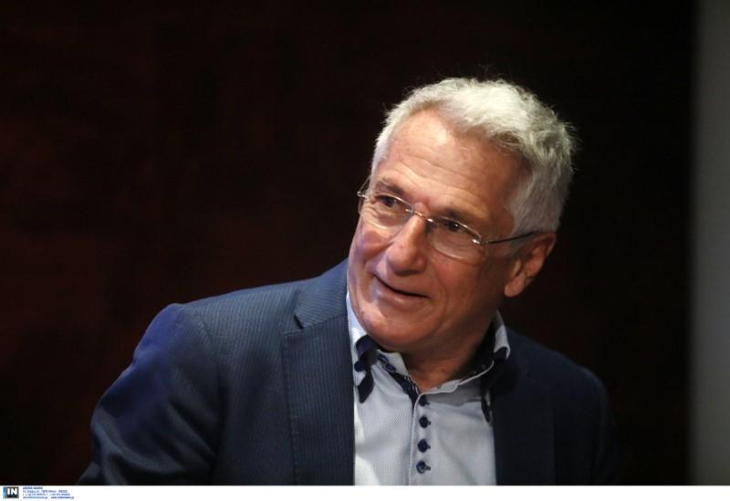 Ο Θανάσης Διαμαντόπουλος