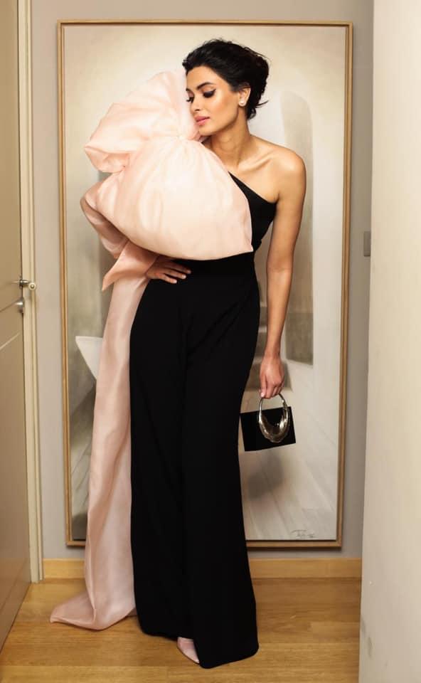 Η Νταϊάνα Πέντυ με εντυπωσιακό φόρεμα της Σίλιας Κιρθαριώτη