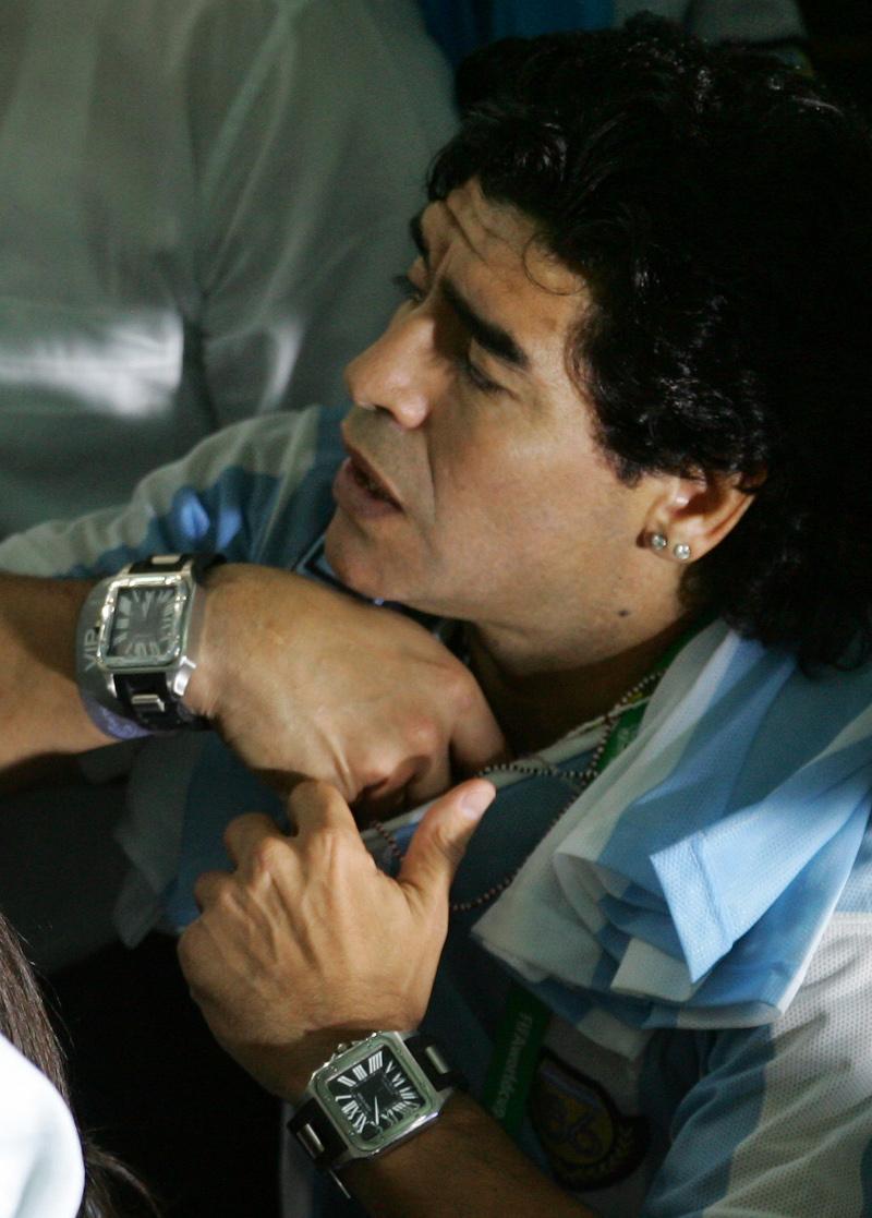 Ο Ντιέγκο Μαραντόνα συνήθιζε να φορά δυο ρολόγια, ένα σε κάθε χέρι