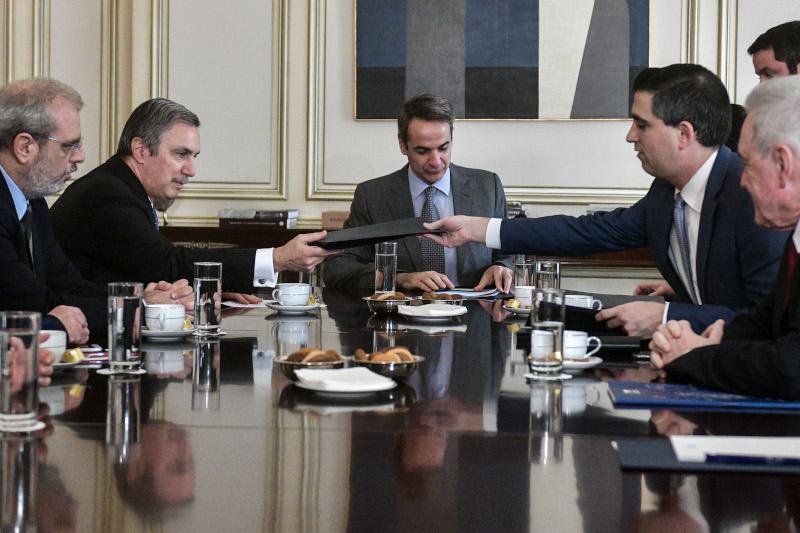 Ο υφυπουργός αρμόδιος για την έρευνα και την τεχνολογία Χρίστος Δήμας και ο πρόεδρος του Ιδρύματος Ωνάση