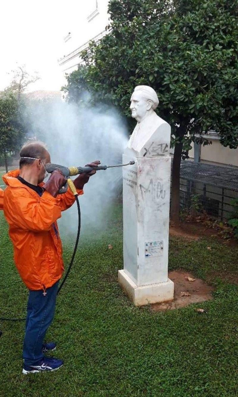 Καθαρισμός αγαλμάτων από τον δήμο Αθηναίων