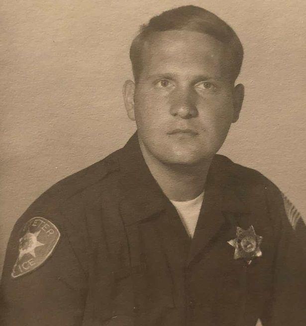 Οταν ο στυγερός δολοφόνος υπηρετούσε ως αστυνομικός