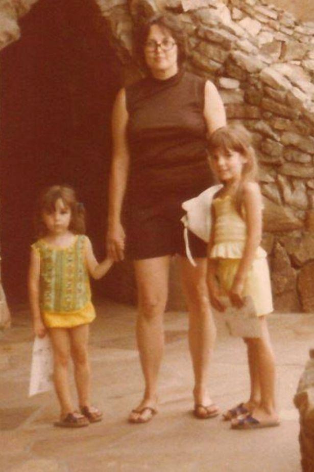 Η Ντόνα με τις δυο της κόρες