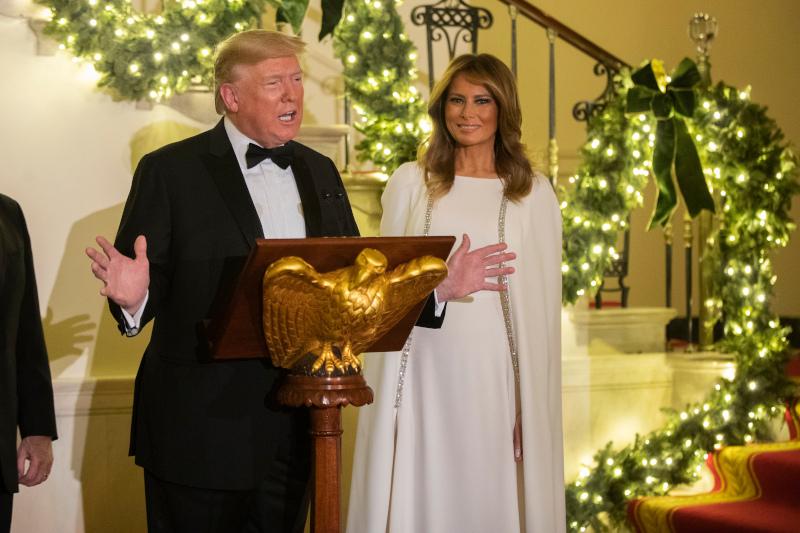 Λαμπερή η Μελάνια Τραμπ στο πλευρό του συζύγου της