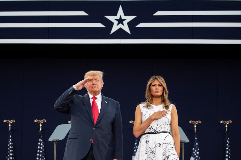 Η Μελάνια Τραμπ στο πλευρό του Ντόναλντ Τραμπ στις εκδηλώσεις για την Ημέρα της Ανεξαρτησίας