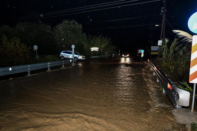 Πλημμυρισμένος δρόμος στον Πύργο
