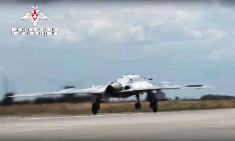 To drone Okhotnik, το νέο «καμάρι» της ρωσικής Πολεμικής Αεροπορίας, αναπτύχθηκε υπό άκρα μυστικότητα.