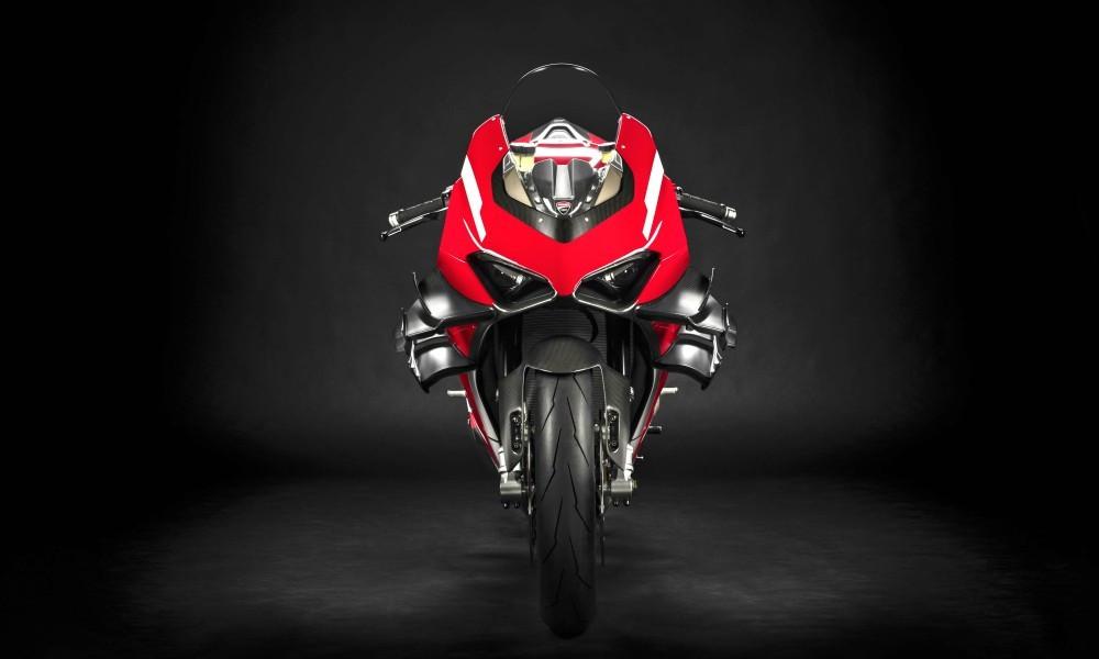 Νέα Superleggera V4 από τη Ducati
