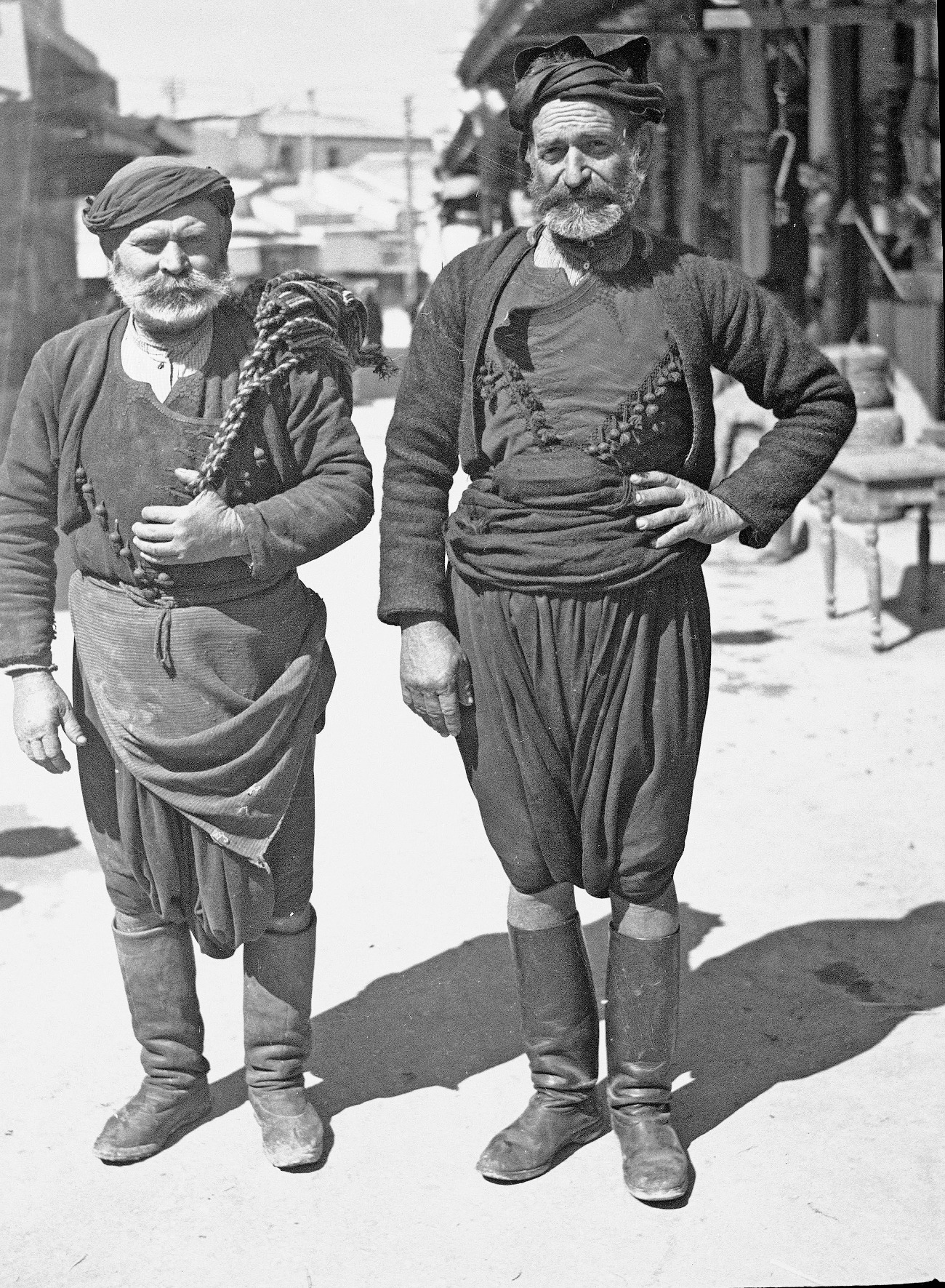 δυο κρητικοι το 1940