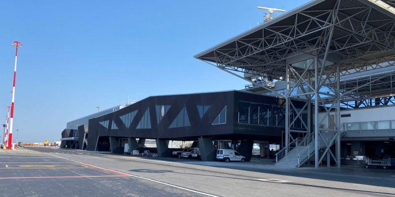 Εξωτερική όψη νέου τερματικού σταθμού Στη Θεσσαλονίκη