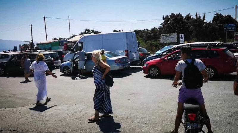 Τουρίστες εγκαταλείπουν την Ελαφόνησο