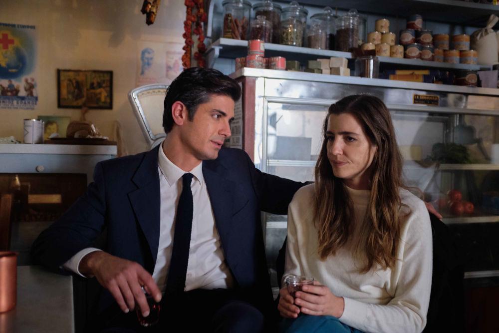 Η Ελένη και ο Λάμπρος μαζί στο καφενείο