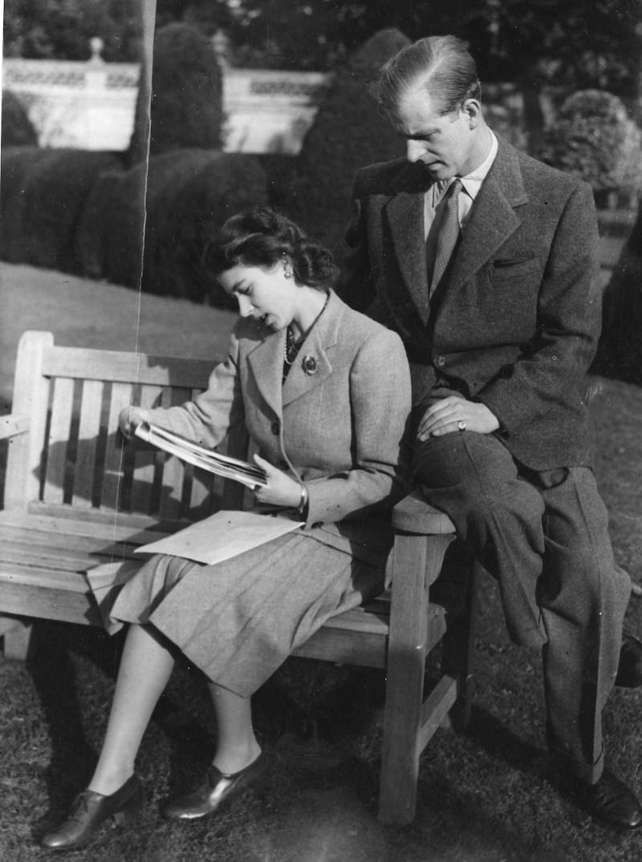 Η Βασίλισσα Ελισάβετ και ο πρίγκιπας Φίλιππος στα πρώτα χρόνια του γάμου τους