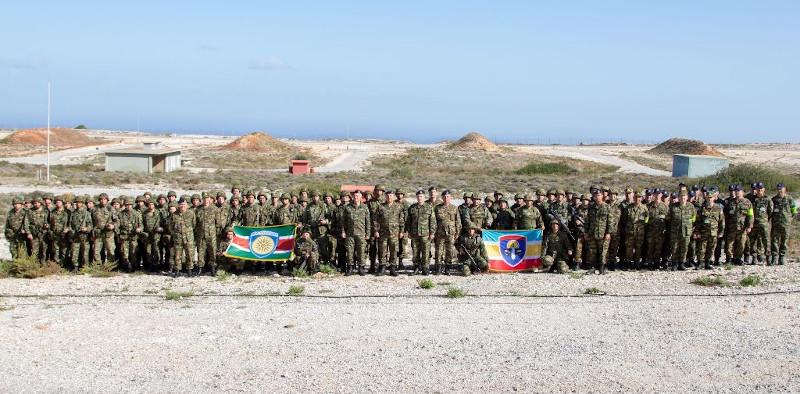 Το προσωπικό του Ελληνικού Στρατού που συμμετείχε στις βολές