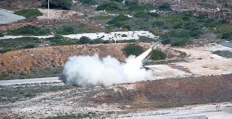 Η στιγμή της εκτόξευσης του αντιαεροπορικού πυραύλου