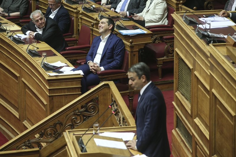 Η πιο άγρια σύγκρουση Τσίπρα-Μητστοτάκη στη Βουλή