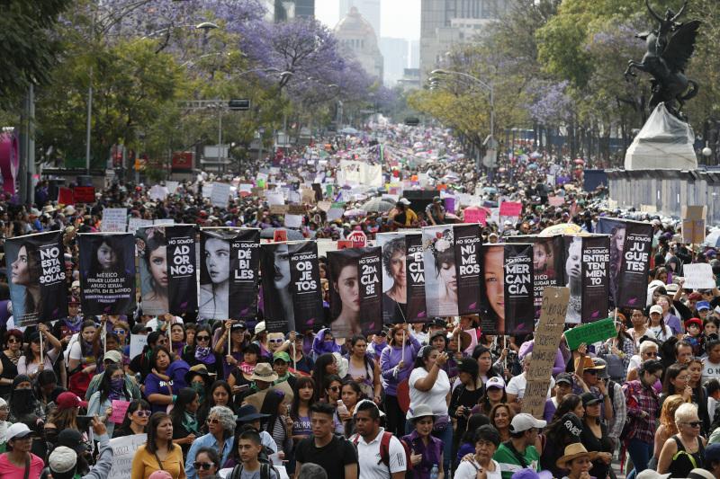 Γυναίκες στο κέντρο του Μεξικό για την Παγκόσμια Ημέρα της Γυναίκας