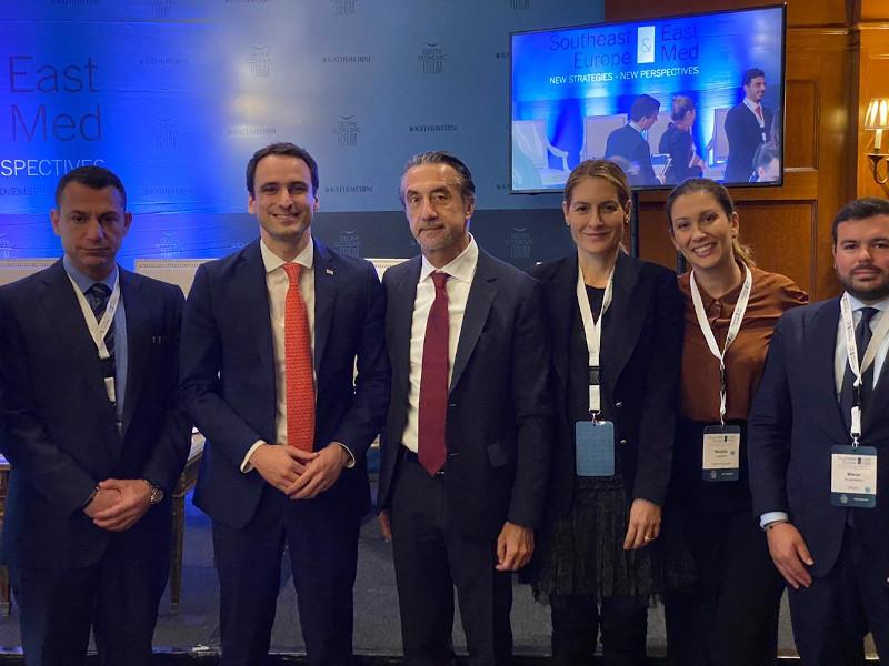Τα μέλη της Ε.ΕΝ.Ε με τον Μιχάλη Κράτσιο, επικεφαλής Τεχνολογίας των ΗΠΑ. (Ευάγγελος Γκιζελής, CEO,Gizelis Robotics, Κρίστιαν Χατζημηνάς, Προέδρος EFA GROUP,Αντιπρόεδρος Ε.ΕΝ.Ε, Αλεξάνδρα Προκάκη, Managing Director,Prokaki, Ναταλία Βαγιωνή, CEO, Fresh Line, Νίκος Αναστασίου, Manager, Epexyl – Architectural Wood Works).