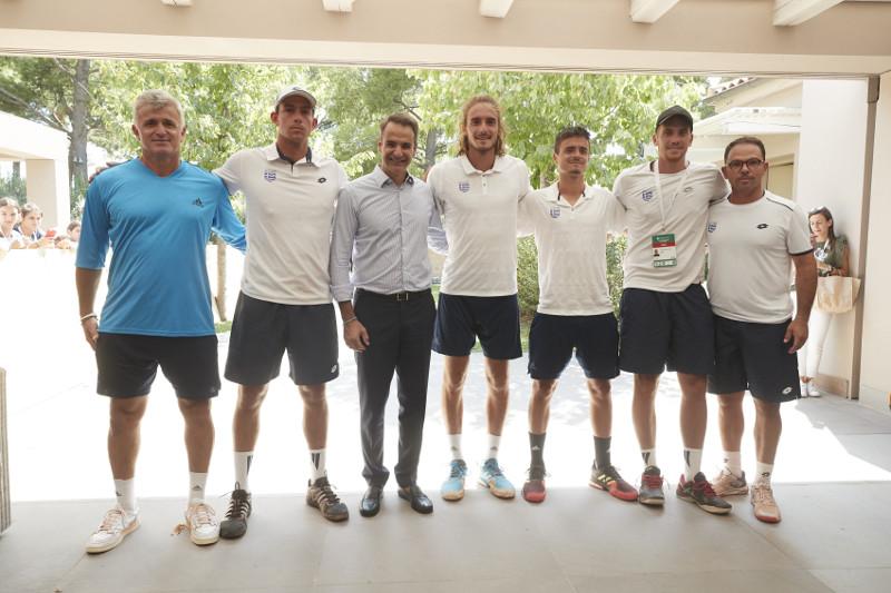 Επίσκεψη Μητσοτάκη στην εθνική ομάδα τένις