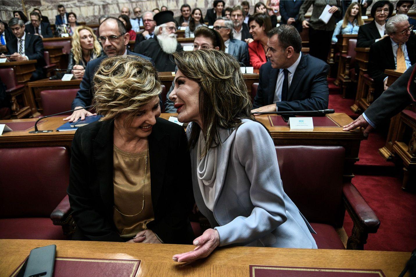 Η βουλευτής ΣΥΡΙΖΑ, Όλγα Γεροβασίλη με την Γιάννα Αγγελοπούλου