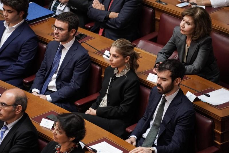 Επιτροπή 2021 Γιάννα Αγγελοπούλου Βουλή  παιδιά της Γιάννας Αγγελοπούλου