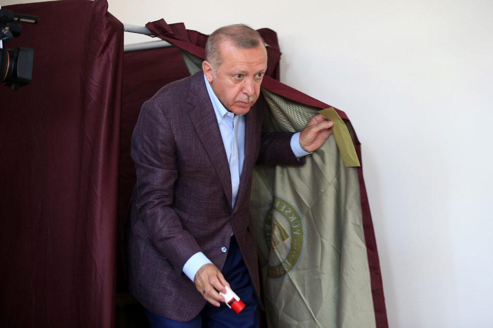Δεν κατάφερε να γυρίσει το αποτέλεσμα στον δήμο της Κωνσταντινούπολης ο Ρετζέπ Ταγίπ Ερντογάν