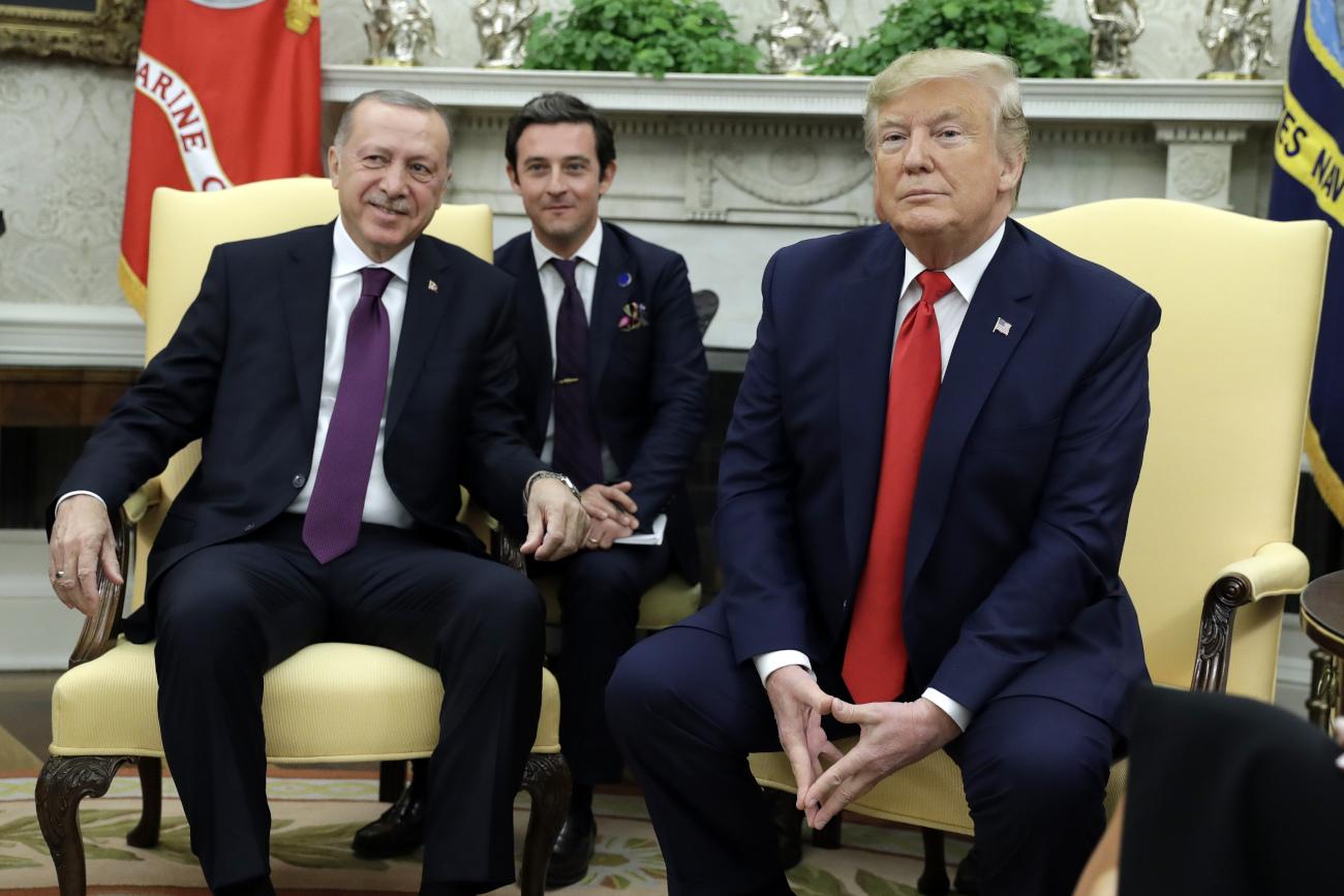 Ερντογάν και Τραμπ ποζάρουν χαμογελαστοί