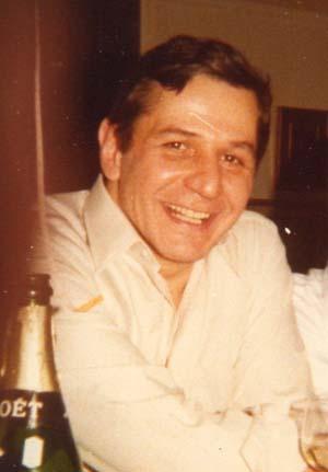 Ο Ερνεστ Καρτέρις πατέρας της Γκαμπριέλ Καρτέρις που πρωταγωνίστησε στα «Χτυποκάρδια στο Μπέβερλι Χιλς»