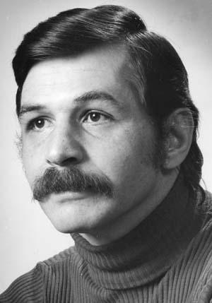 Φωτογραφία του Ερνεστ Καρτέρις πατέρα της τηλεοπτικής Αντρεα από το «Χτυποκάρδια στο Μπέβερλι Χιλς»