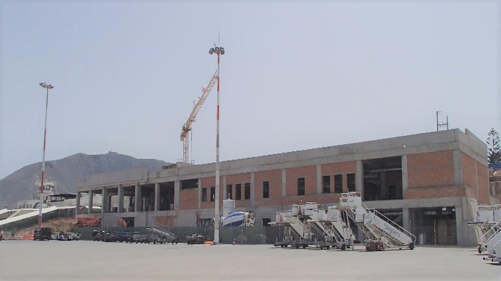 Σε πλήρη εξέλιξη τα έργα στο αεροδρόμιο της Σαντορίνης