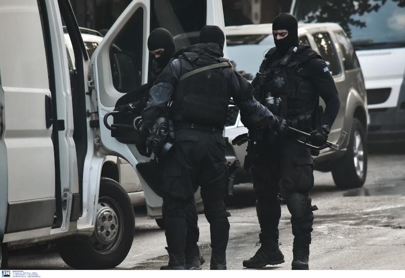 Πάνοπλοι αστυνομικοί στα Εξάρχεια