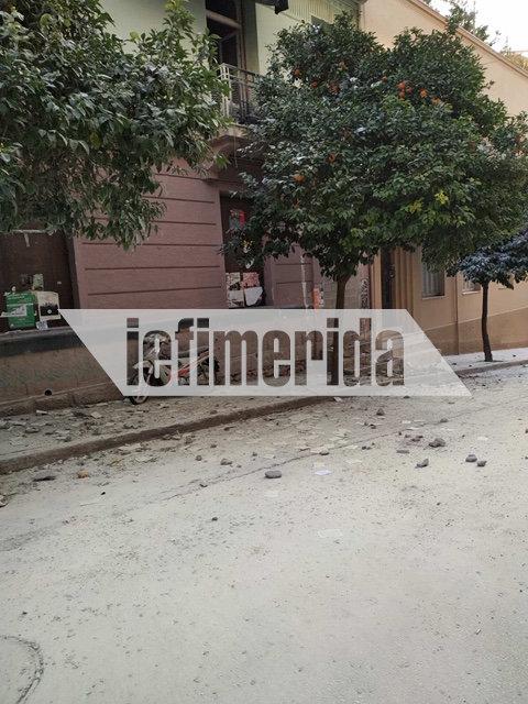 Οι εικόνες από το εξωτερικό του κτιρίου στην οδό Ματρόζου όπου πραγματοποιήθηκε η απόπειρα ανακατάληψης