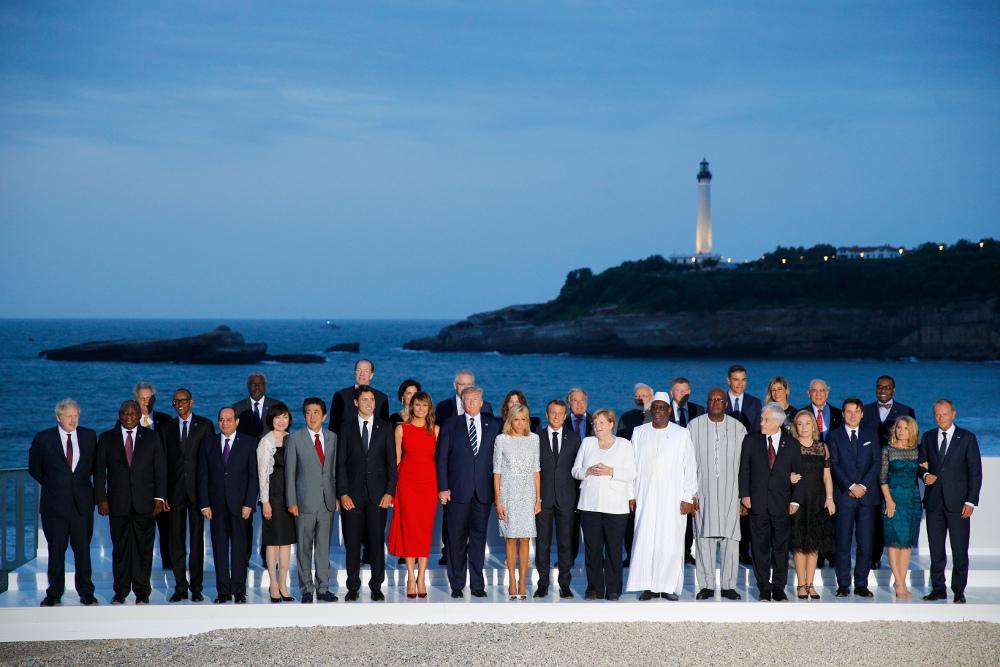 Η οικογενειακή φωτογραφία των ηγετών στην διάρκεια της Συνόδου Κορυφής G7