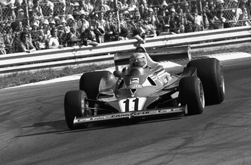 Ο Νίκι Λάουντα μέσα στη Ferrari