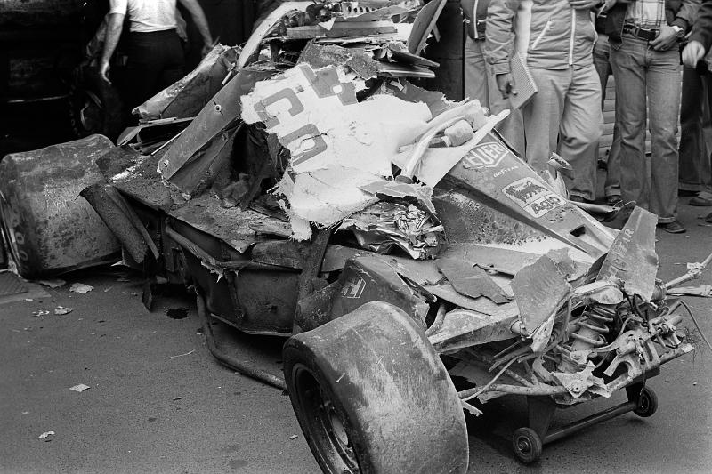Η κομματιασμένη Ferrari του Νίκι Λάουντα μετά το ατύχημα