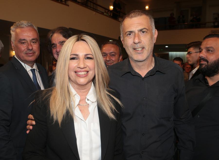 Η Φώφη Γεννηματά με τον Γιάννη Μώραλη πριν την ομιλία της προέδρου του ΚΙΝΑΛ στον Πειραιά