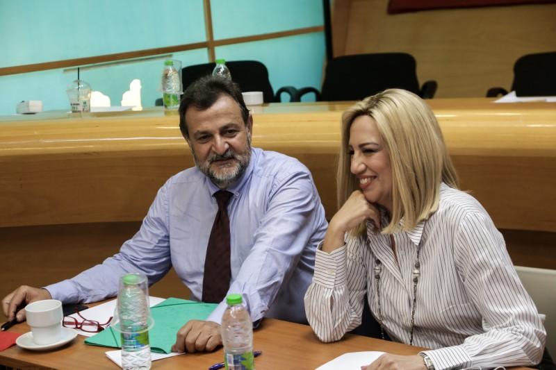 Ο γραμματέας της ΚΟ του ΚΙΝΑΛ Βασίλης Κεγκέρογλου και η Φώφη Γεννηματά